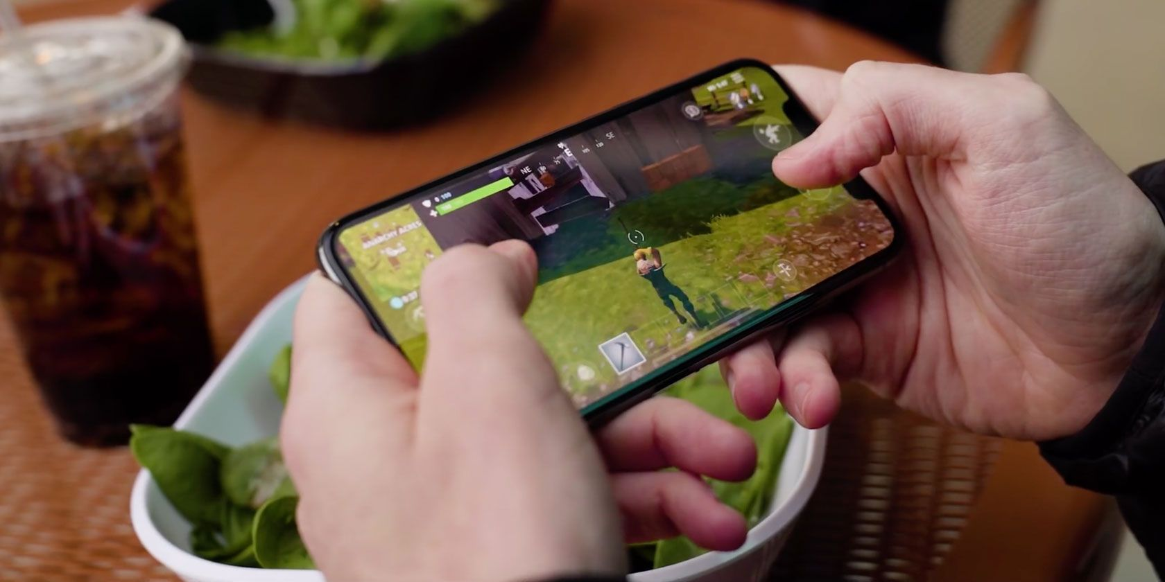 Is Fortnite On Mobile Easy Is Fortnite Battle Royale On Mobile Worth Playing