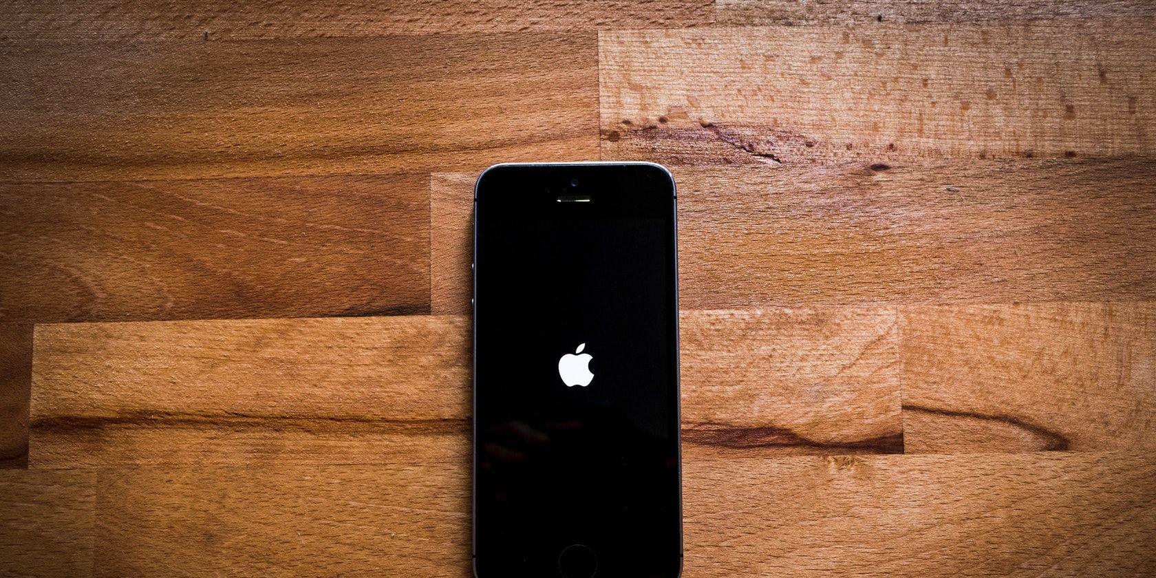 6 Ways to Fix an iPhone Stuck on the Apple Logo