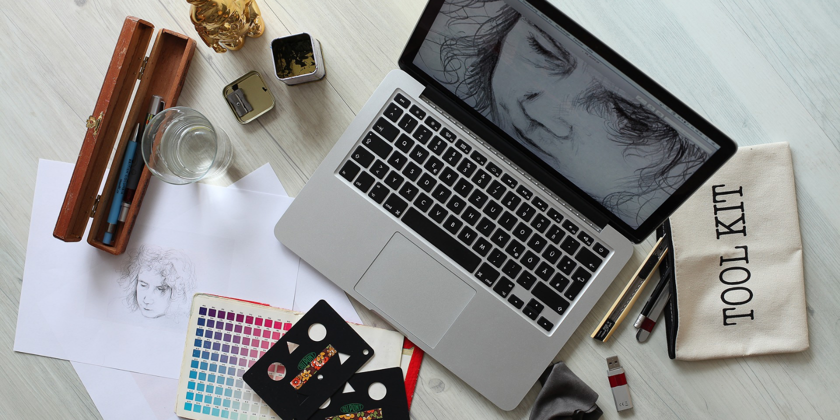 5 Essential iPhone Apps for Any Graphic Designer