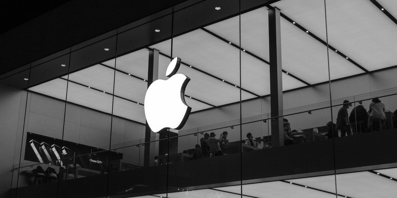 Apple Highlights Environmental Benefits of Not Selling iPhones With Power Adapters