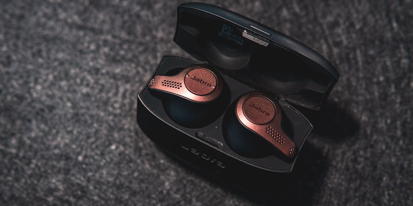 The Jabra Elite 85t Earbuds Now Support Alexa Voice Commands