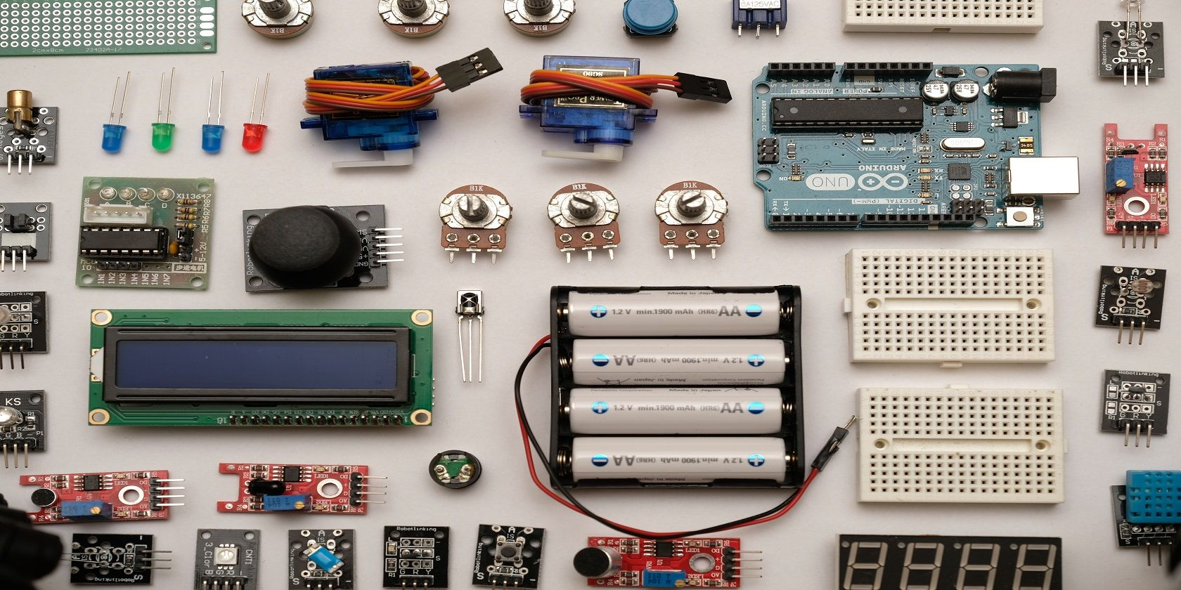 9 Easy and Low Budget DIY Electronics Projects for Beginners