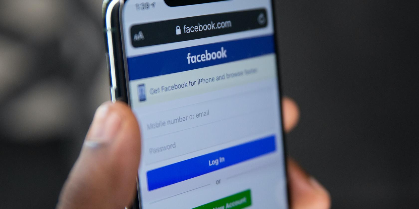 Facebook Continues to Host Anti-Vax Theme Profile Borders Despite Ban