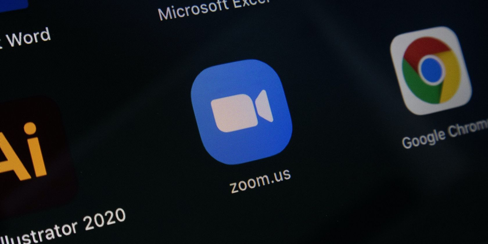 How to Use Center Stage to Keep the Camera on You in Zoom Calls